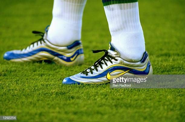 Ronaldo Of Brazil Sports His Nike R9 Boots In The World Cup Group A Game Against Norway At The Stade Velodrome In Ma Cool Football Boots Football Boots Ronaldo