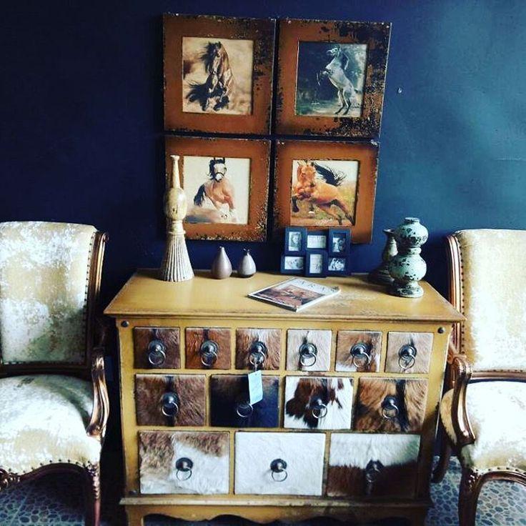 #mobilya #aksesur #dresuar #dekorasyon #evlilik #mimar #tekstil #koltuktakimi #evdekorasyonu #binbir aksesuar #banyo #clasikbanyo #letro #kuaför #cafe #cantri #gelinlik #kitap #kitaplık #restront #ofis #antika #bahce #peysaj #cicek # http://turkrazzi.com/ipost/1523247522650007193/?code=BUjqY0kjCaZ