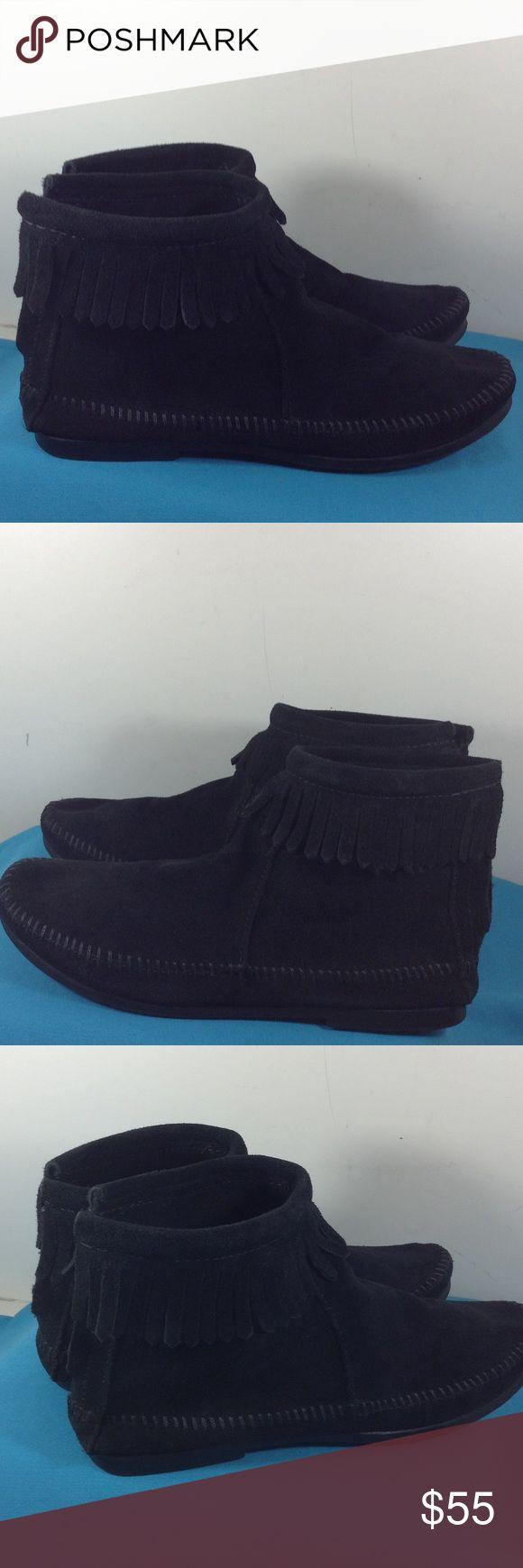 MINNETONKA MOCCASIN  Ankle boot black size 8 Use Very good condition MINNETONKA  MOCCASIN ankle boot size 8 Minnetonka Shoes Ankle Boots & Booties