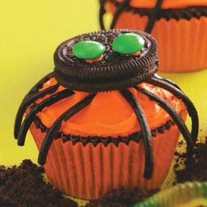 Spooky Spider Cupcakes: Holiday, Spider Cupcakes Daughters, Spider Cupcakes Sweet, Halloween Recipe, Spiders, Halloween Cupcakes, Cupcakes Recipes, Spider Cupcakes ️, Spooky Spider