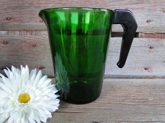 Retro emerald green glass pitcher with wooden handle by Vereco France -Christmas party serving, vintage green glass pitcher, retro barware