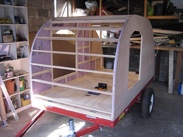 Basic teardrop built on a 4x8 trailer.  The trailer could easily be made 6' wide by simply extending a foot over each side and making small wheel wells for the tires.  A 6' wide teardrop would accommodate a king size mattress!