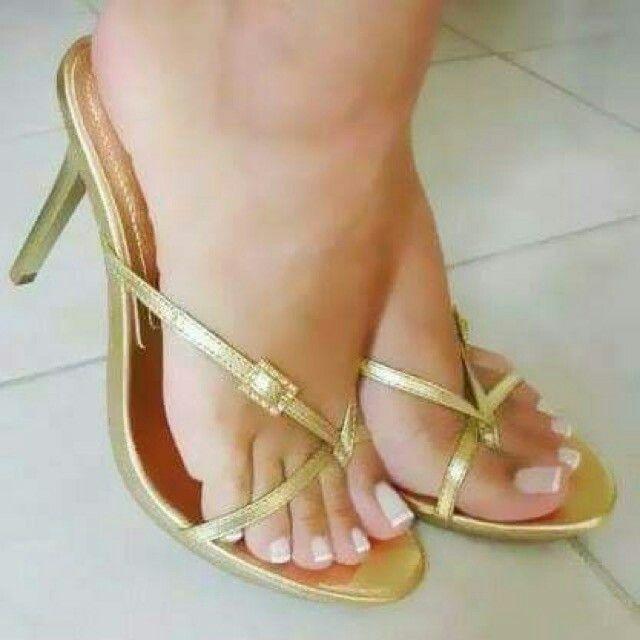 pornstar Feet in platform heels