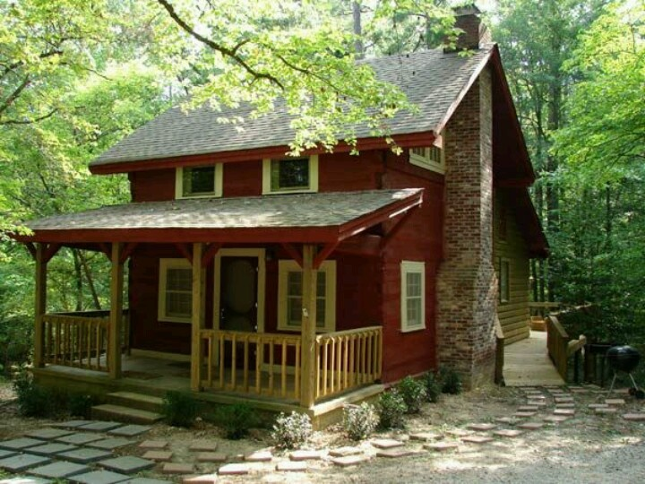 Cute country house houses i like pinterest country Log cabin for two