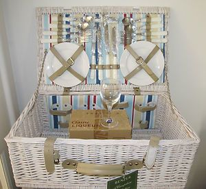It's time for summer fun with a French Provincial-style picnic basket!
