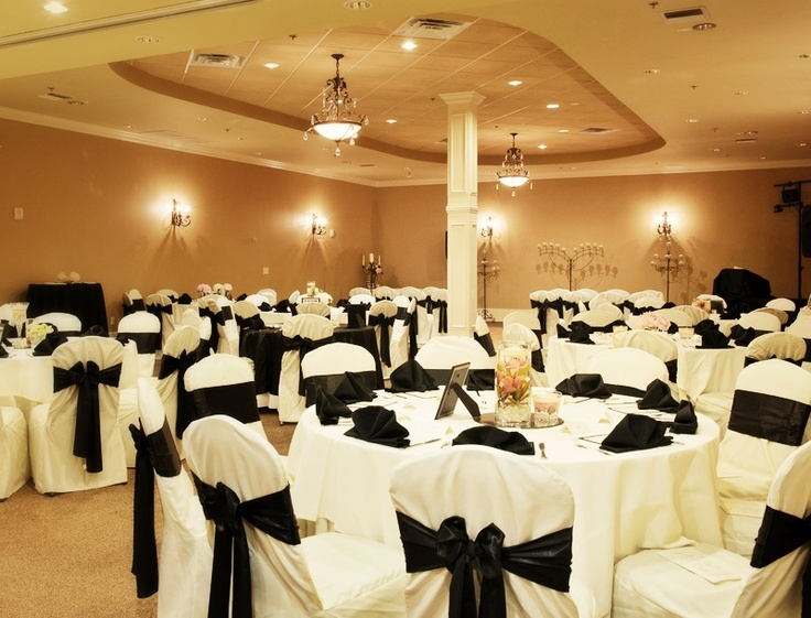 Beautiful room set up for 100 guests. The ceremony and ...