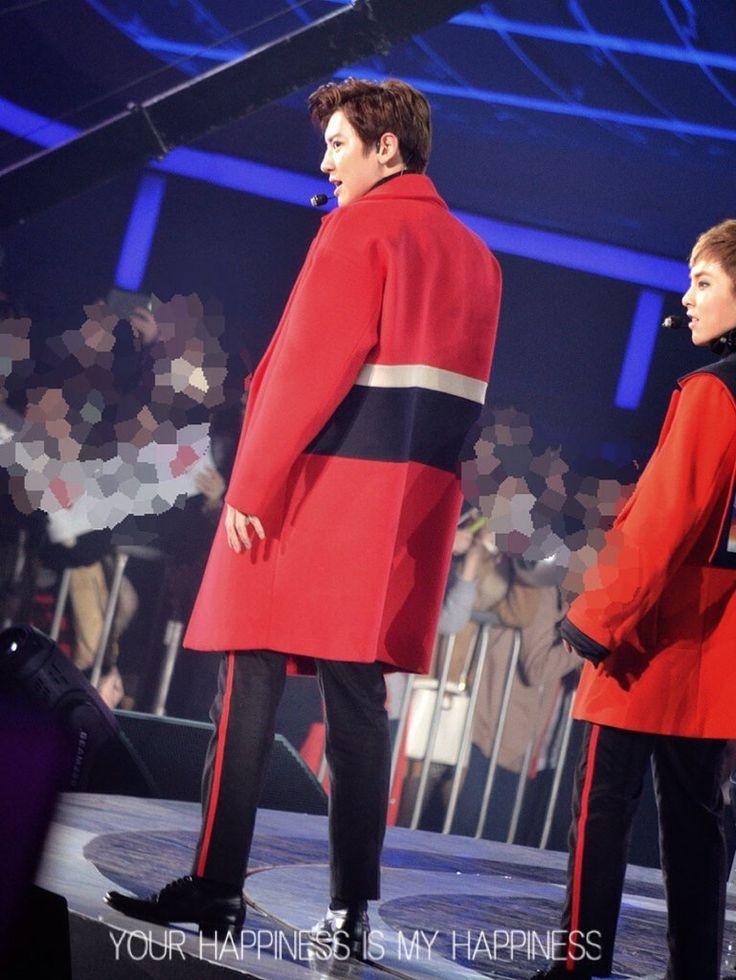 #chanyeol #exo #exochanyeol #pcy #parkchanyel #チャニョル #박찬열 #찬열 #朴灿烈 #灿烈 #kpopstar #Koreanstar #Kpop #kpopidol #redcoat #redjacket