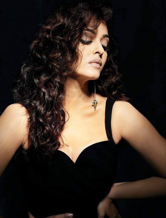 Aishwarya Rai Hot Photoshoot for Filmfare India Magazine