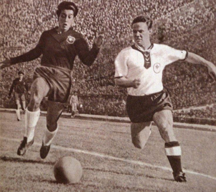 Chile 1962, Luis Fifo Eyzaguirre frente a un defensor alemán.