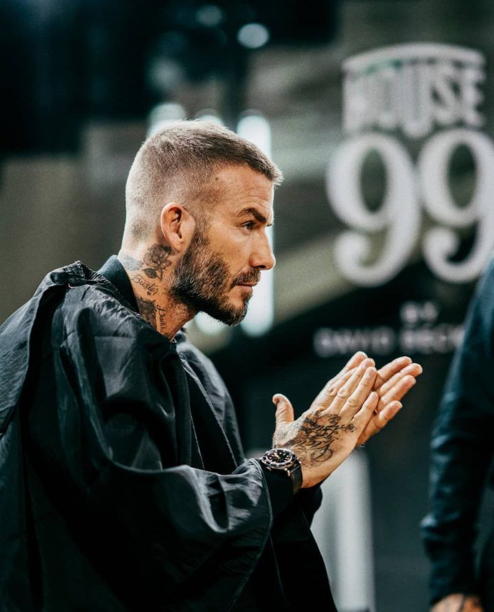 David Beckham New Popular Pins Kurzhaar Frisuren Manner David Beckham In 2020 Manner Frisur Kurz Mannerhaare Haare Manner
