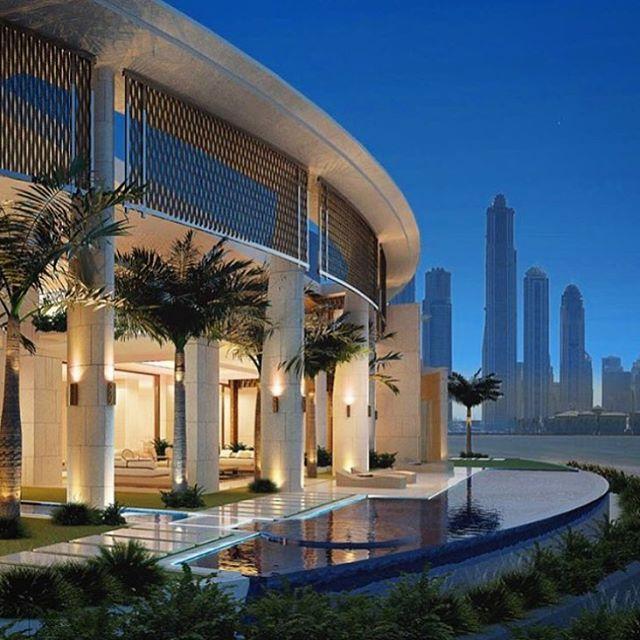Dubai Mega mansion✨ Via @worldwide_home