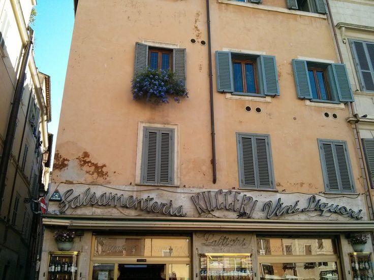 Ruggeri, tienda de ultramarinos. Roma.