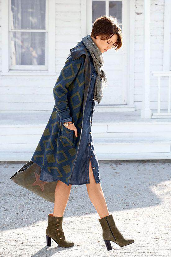 Der Übergang von Sommer zu Herbst ist nicht immer leicht, doch mit diesem Mantel machen Sie nichts falsch.