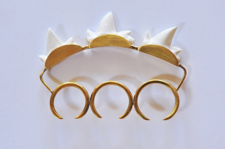Three-finger ring