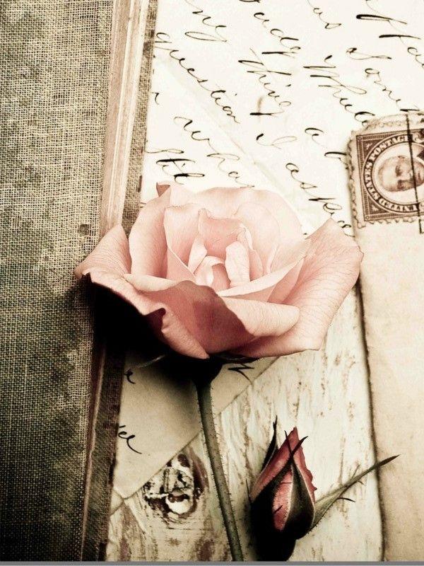 Liebesgedichte und Lieder schreiben ist schwer, aber die Mühe lohnt sich für den richtigen Menschen.