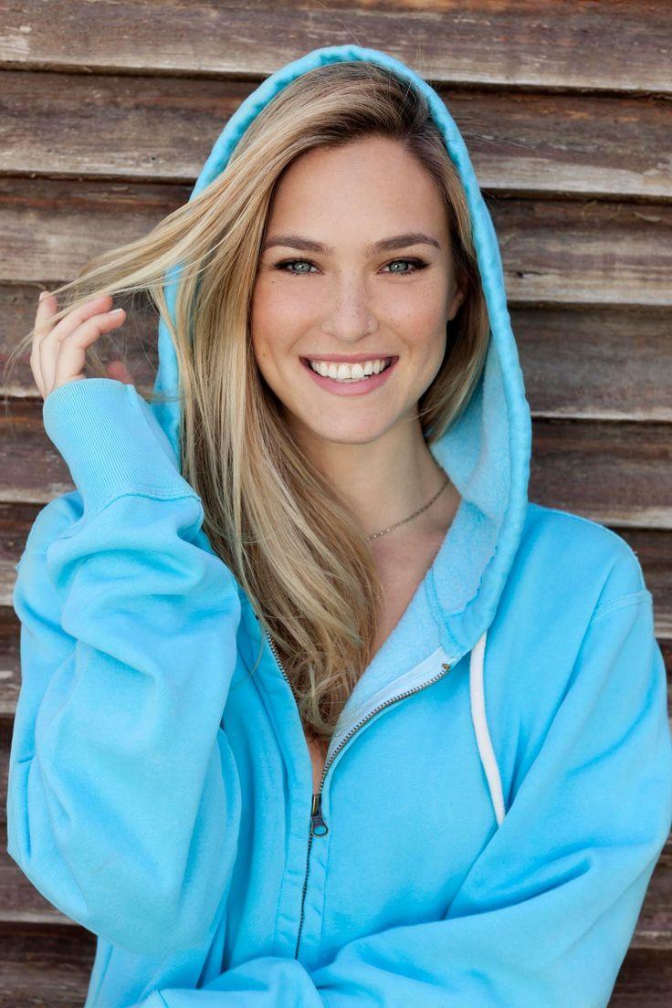 Hot girls in hoodies