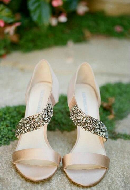 Exceptional Simple. Bling. Light Golden/champagne Color...or Turquoise Shoes? Great Ideas