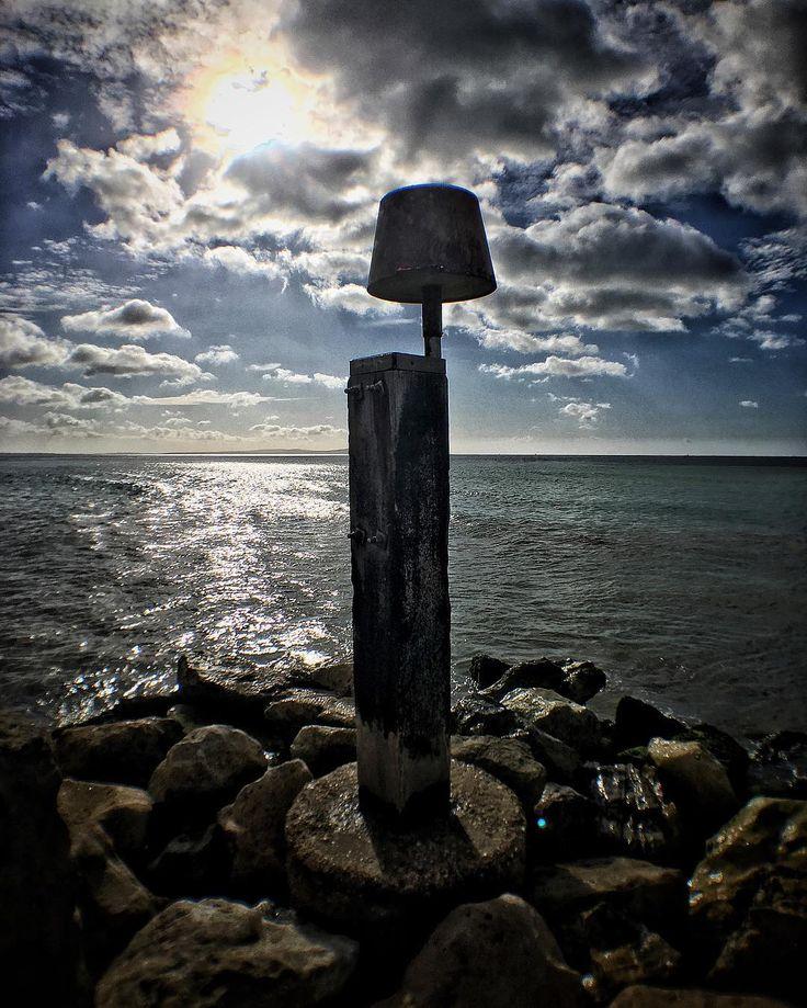 Morning sun looking out towards the Isle of Wight. #sun #sunrise #seaside #seashore #seascape #peaceful #holiday #vacation #iphone6s #beaniedee