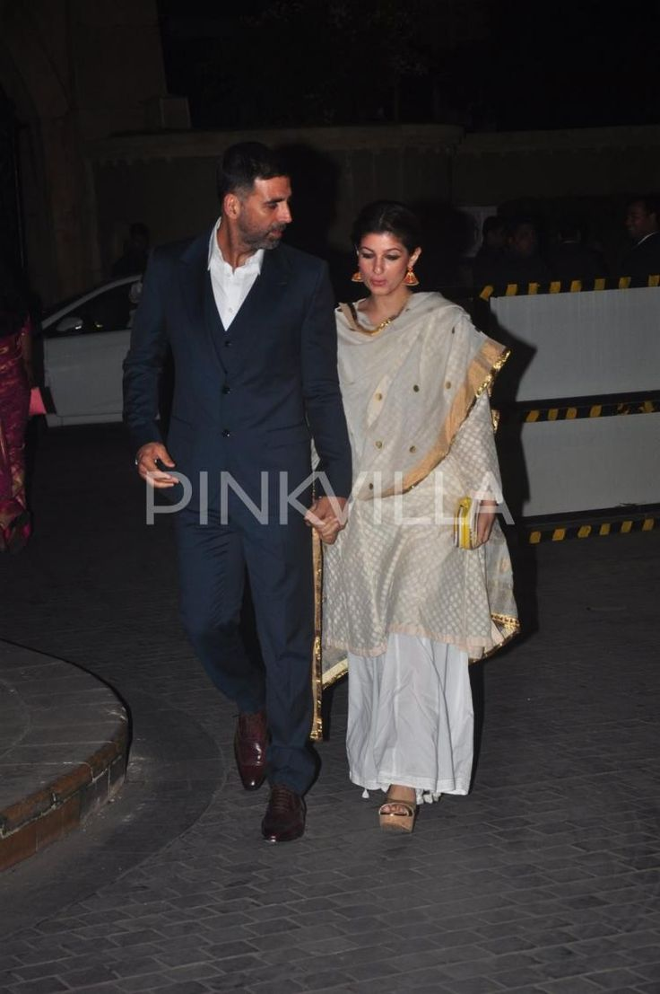 Akshay Kumar and Twinkle attend Tejas - Rriddhi's wedding reception | PINKVILLA