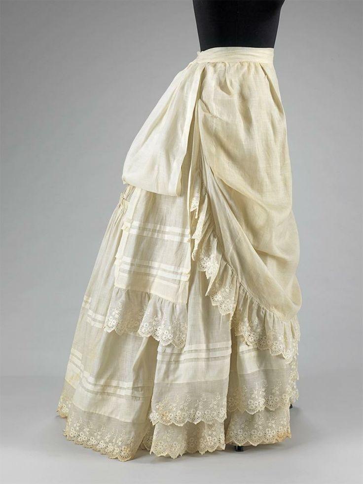 Petticoat 1883                                                                                                                                                                                 Plus