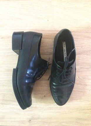 À vendre sur #vintedfrance ! http://www.vinted.fr/chaussures-femmes/chaussures-oxford/50752367-magnifiques-derbies-noires-other-stories
