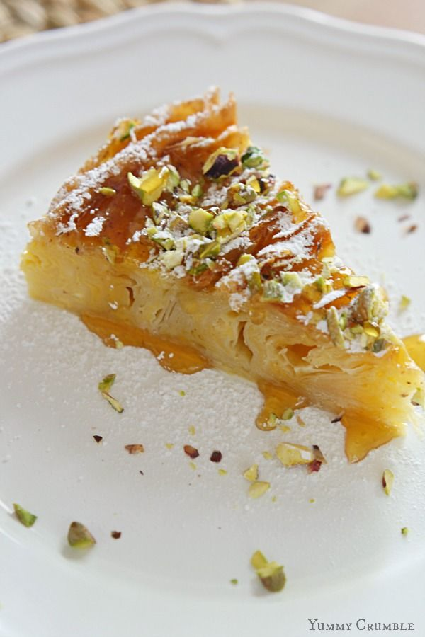 Pistachio and Honey Bougatsa - Yummy Crumble