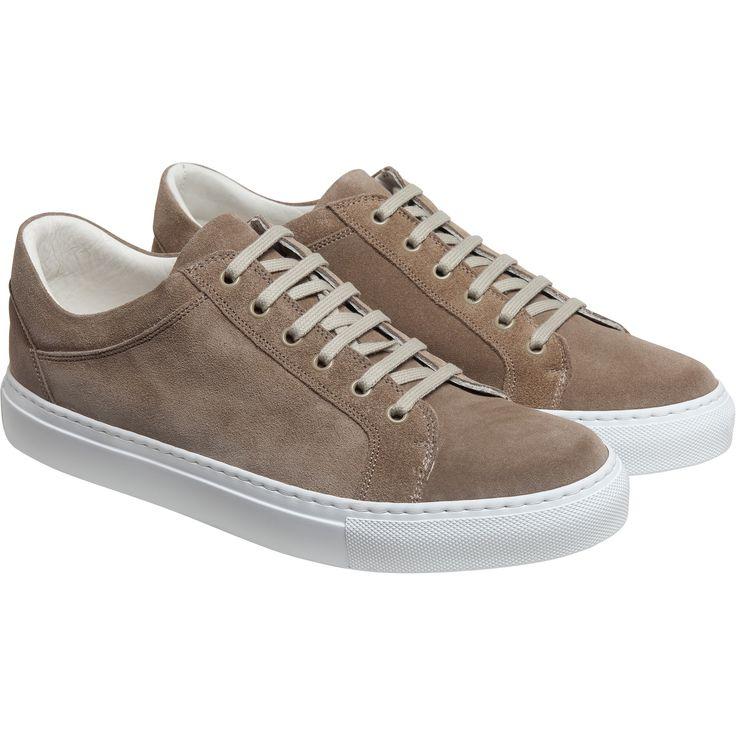 sneakers new come marrons sneaker en cuir velours avec découpes surpiquées. Contrefort arrière brodé initiales A / B.