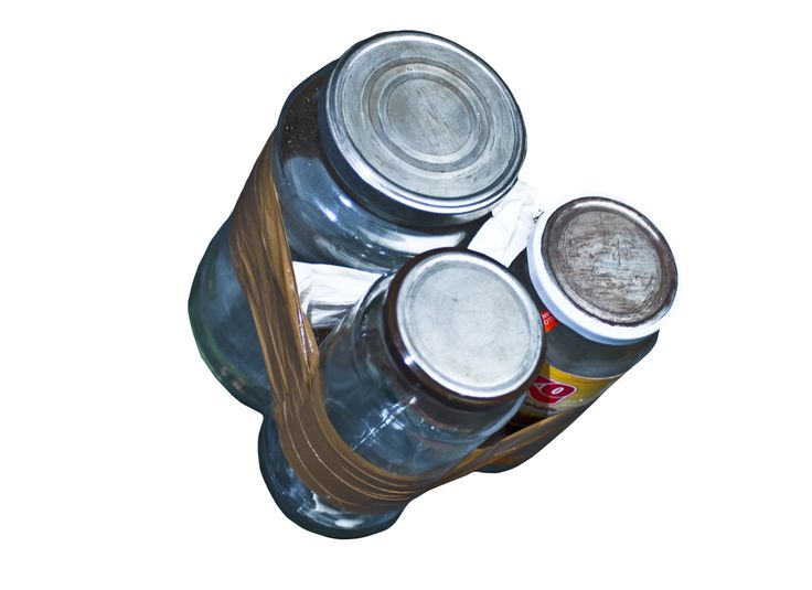 - BONGATTOLI -  - Three recycled glass's jar that become a powerful set of bongos - Tre barattoli riciclati diventano dei potenti bongos http://www.youtube.com/watch?v=qWq9iOLuwX8&feature=share&list=PLC73DC34A9A2C525E&index=1