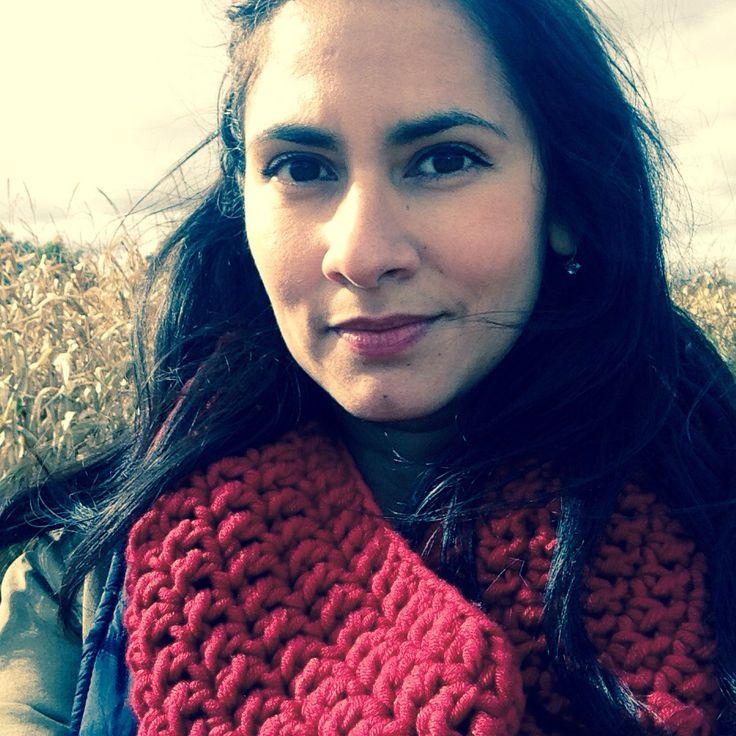 Fall is in the air. Chunky red cowl by a|mano Instagram: amanomadewithlove Email: amanomadewithlove@gmail.com