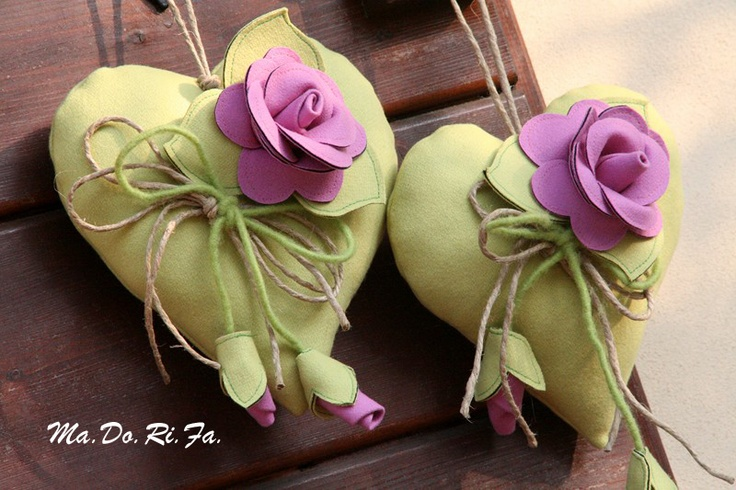 cuori verdi con rose