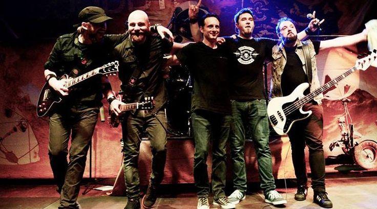 Chitaristul trupei care cânta în Club Colectiv, Vlad Țelea, ar fi murit. Ceilalți membri, răniți - http://www.eromania.org/chitaristul-trupei-care-canta-in-club-colectiv-vlad-telea-ar-fi-murit-ceilalti-membri-raniti/