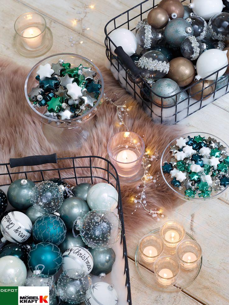 #Kerzen, #Lichterketten und 'Weihnachtskugeln in Weiß, Silber, Blau, Petrol und Hellgrün. www.moebel-kraft.de