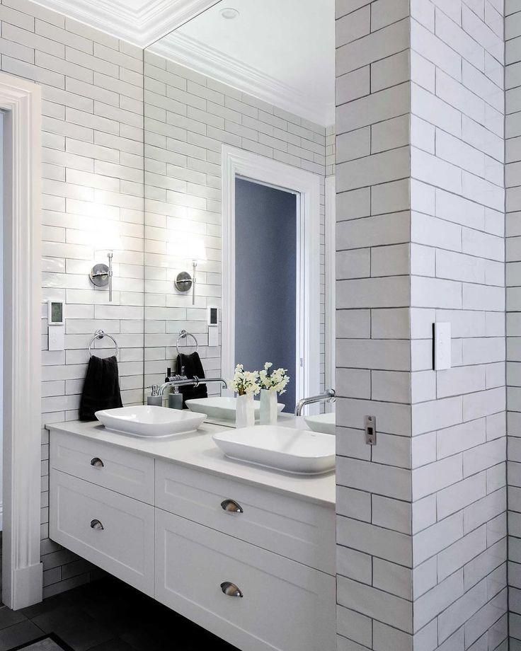 Hampton style bathroom anyone?? #hamptonsstyle #bathrooms ...