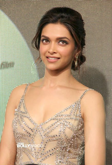 CELEBRITY TOP NEWS: Big Star Deepika Padukone  Hot Media News