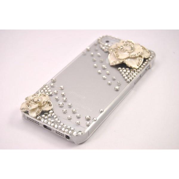 iPhone 5 White Flowers Taşlı Kapak    Yeni moda kurdela taşlı kapak iphone 5'inize çok yakışacak.  Taşları yüksek kalite malzemeden üretilmiştir.  Telefonunuzla mükemmel uyum gösterir.  İnce tasarımı sayesinde telefonunuzun görünümü bozmaz.  Tüm renk iphone 5'lerde mükemmel uyum gösterir.  Sizin için seçilmiş en iyi iPhone 5 Kılıfları  Taşları özel malzemedir. https://www.telefongiydir.com/apple-iphone-cep-telefonu-kiliflari/iphone-5-kiliflari-aksesuarlari/iphone5-white-flowers-tasli-kapak