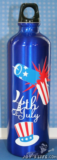 Vinyl 4th of July Water Bottle using Cricut Independence Day cartridge