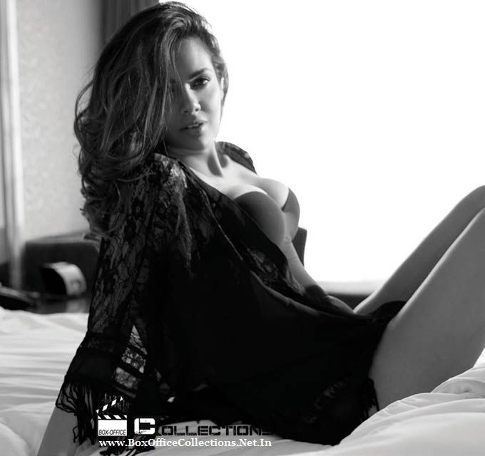 Esha Gupta Photoshoot (HQ Pictures) for FHM India Magazine November 2014 3