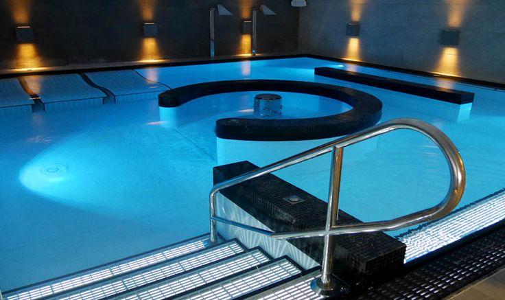 Virgin Active Bangkok - Myrtha Pools