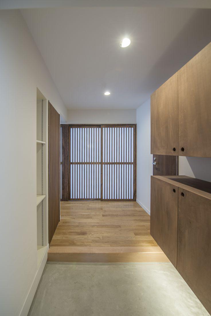 50代の夫婦のための名古屋市内67.70㎡の典型的な3LDK築30年の中古マンションリノベーション案です。自然素材を使い、部屋全体が明るくなるように工夫しました。玄関
