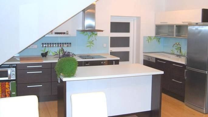 Kitchen with 3D foiled high gloss fronts