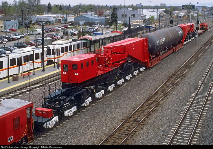 RailPictures.Net Photo: CEBX 800 BNSF Railway Schnabel railcar at Denver, Colorado by Mike Danneman