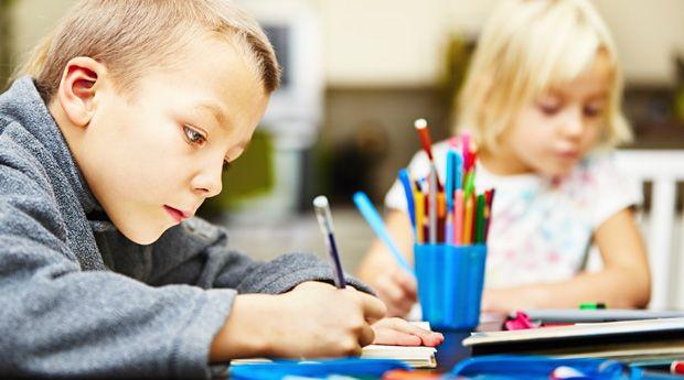 Здравствуй школа! 7 полезных идей для родителей - «Как год встретишь, так его и проведешь», гласит народная мудрость. Так почему бы не применить ее и к учебному году? Эти дельные советы помогут уменьшить стресс и повысить эффективность учебы вашего ребенка как в ш�