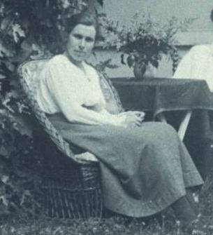 La botánica Marie Beatrice Schol-Schwarz (1898-1969) nació un 12 de julio.