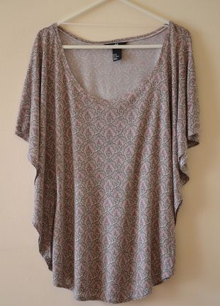 Kup mój przedmiot na #vintedpl http://www.vinted.pl/damska-odziez/koszulki-z-krotkim-rekawem-t-shirty/5690200-bluzka-nietoperz-hm-we-wzory