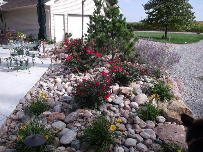 Exceptional Natural And Artistic Garden With River Rock Garden Ideas