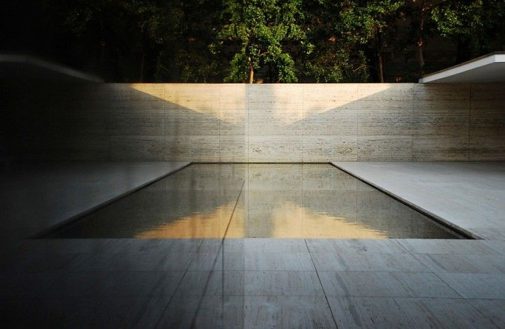 A prototype for minimalist pools is seen in Ludwig Mies van der Rohe's Barcelona Pavillion, a house built in 1929 that stood for only a year.