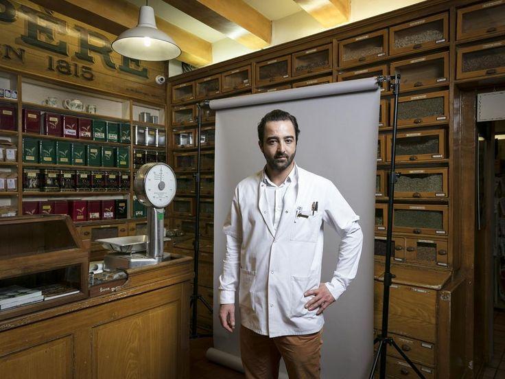 Cyril Coulard a repris en 2013 l'herboristerie Le Père Blaize à Marseille.