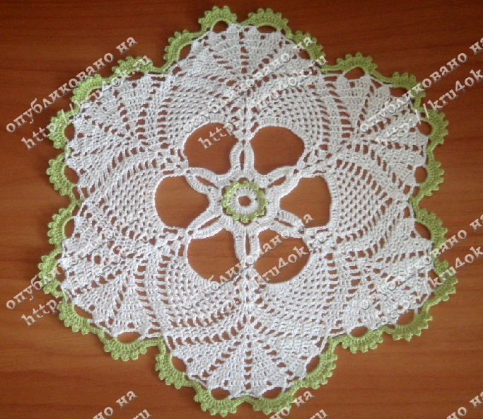 Simple doily with diagrams, click to enlarge diagram. Use web translator to translate instructions.