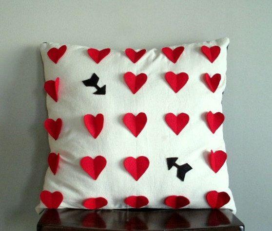 Decorative Valentine Pillows : 56 best images about Valentine Pillows on Pinterest Felt hearts, Cute pillows and Flower pillow