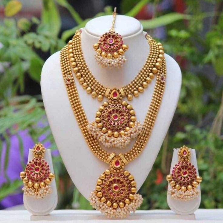 Jewellery Name: Ask Me Anything  2 Jewellery Description: Bridal Jewellery Set  Jewellery Price: Rs.2600/-